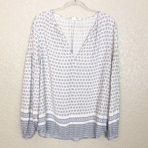 EUC Gap white blue diamond print peasant blouse